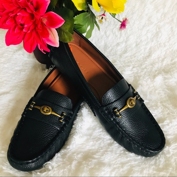 NWOT COACH Crosby Driver Turnlock Leather Loafers